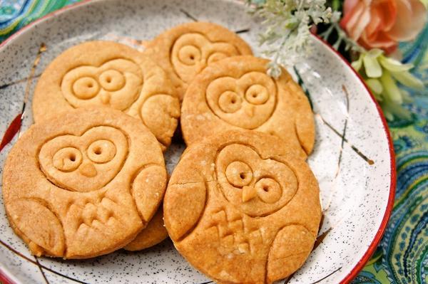 家にある型であっという間に♪可愛いふくろうクッキー[キャラスイーツ・キャラケーキ]