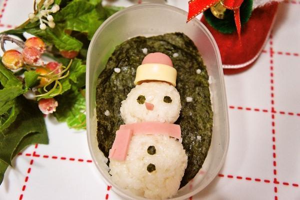 クリスマスに☆おにぎりで作る雪だるまデコ弁[キャラ弁・デコ弁]