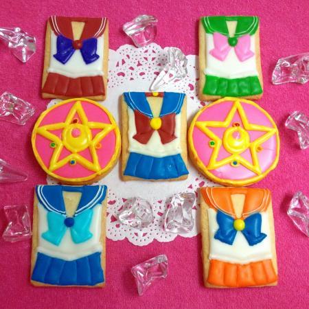 セーラームーンアイシングクッキー