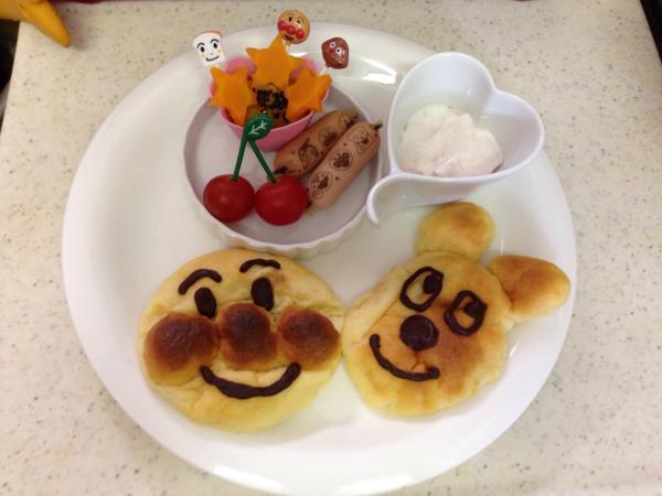 お誕生日に!アンパンマンとチーズのパンプレート♪[キャラプレート・キャラごはん]