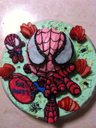 スパイダーマンの立体ケーキ